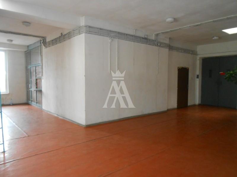 Priestor na kanceláriu, výrobu, sklad, 6 x 48 m2